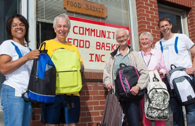 Community Food Basket, Saint John, New Brunswick. (CNW Group/Bell Aliant Inc.)