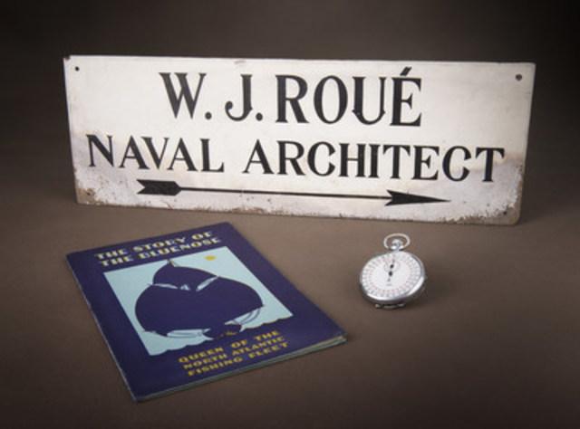 Enseigne de bureau - Chronomètre - The Story of the Bluenose : Cette brochure a été publiée en 1933 pour aider à amasser des fonds afin que le Bluenose représente le Canada à l'Exposition universelle de Chicago. (Groupe CNW/Musée canadien de l'histoire)