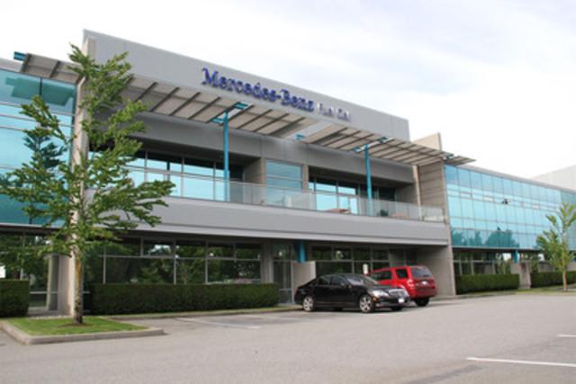 Mercedes-Benz Canada a aujourd'hui célébré la fin de la construction et l'ouverture officielle de la première installation automobile automatisée au monde qui est consacrée à la production et au développement technologique d'empilements de piles à combustible. (Groupe CNW/Mercedes-Benz Canada Inc.)