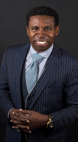 "Michael ""Pinball"" Clemons has made it his mission to bring attention to pneumococcal pneumonia and preventative measures to help Canadians reduce their risk and potential (CNW Group/Ontario Lung Association)"