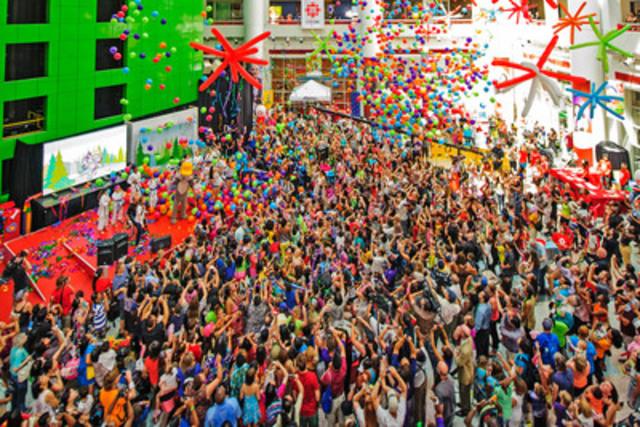 La mascotte de TORONTO 2015 fait ses débuts (Groupe CNW/Jeux pan/parapanaméricains de Toronto 2015)