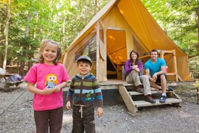 Prêt-à-camper en tente Huttopia (Groupe CNW/Société des établissements de plein air du Québec)