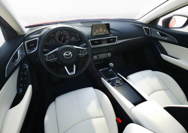 Updated 2017 Mazda3 interior (CNW Group/Mazda Canada Inc.)