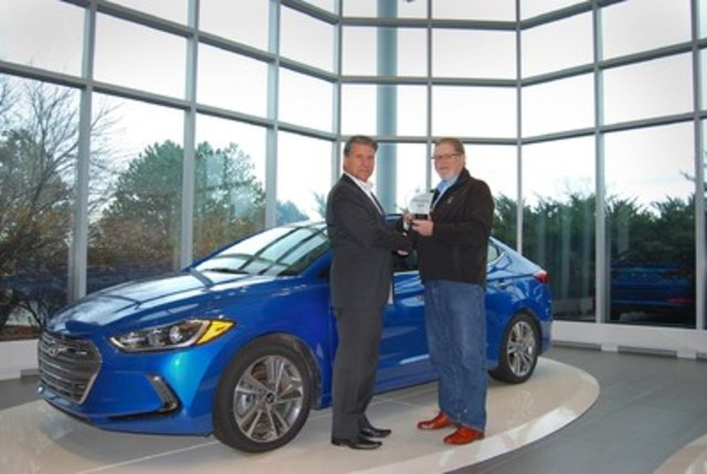 BEST NEW SMALL CAR Hyundai Elantra, with 682 points, and scoring highest in Value. 2nd place Chevrolet Cruze with 680 points. 3rd place Subaru Impreza with 679 points. (Left: Don Romano, President and CEO, Hyundai Auto Canada Corp., Right: David Taylor, CCOTY Committee Member) (CNW Group/Automobile Journalists Association of Canada)