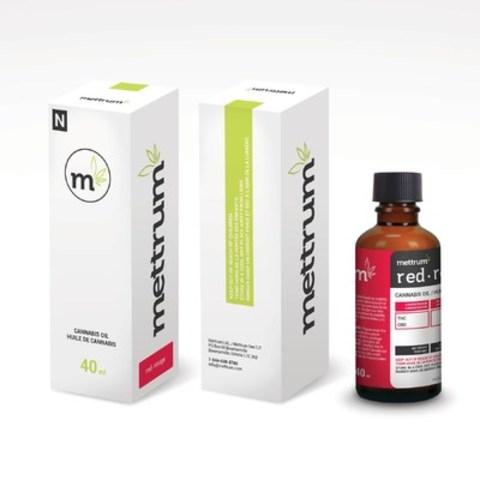 La nouvelle gamme d'huiles de cannabis de catégorie supérieure Mettrum Ltd. constitue une solution de rechange à la consommation conventionnelle du cannabis. Les huiles seront d'abord offertes dans les catégories Rouge, Bleu et Jaune de la classification du Spectre(MC) Mettrum. Le contenant de 40 ml sera offert à 90 $. (Groupe CNW/Mettrum Health Corp.)