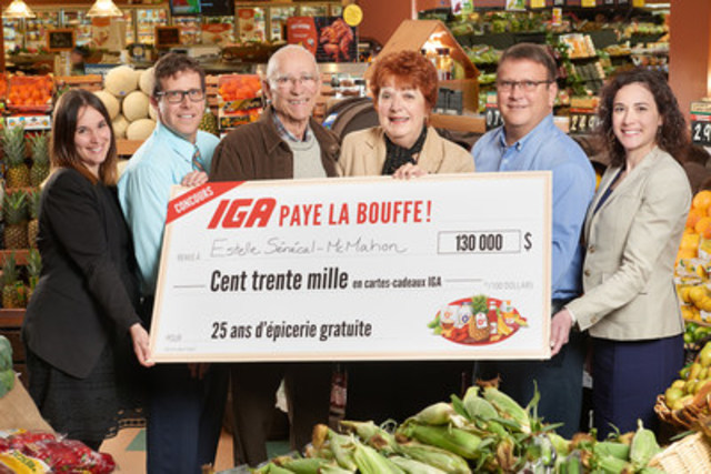 (from left to right) Joëlle Dickey (Sobeys Québec), Martin Guilbault (IGA owner), Jack McMahon, Estelle Sénécal-McMahon (winners), Sylvain Guilbault (IGA owner), Marie-Noëlle Cano (Sobeys Québec). (CNW Group/Sobeys Québec)