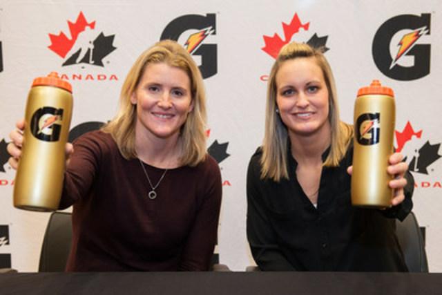 Au cours d'une célébration du hockey féminin avec Hockey Canada, au MasterCard Centre de Toronto, Gatorade a annoncé aujourd'hui que deux des plus grands talents du hockey, Hayley Wickenheiser et Marie-Philip Poulin, se joignent à la marque comme ambassadrices. (Groupe CNW/PepsiCo Canada)