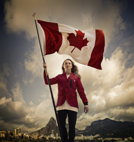Rosie MacLennan, porte-drapeau d'Équipe Canada (Crédit photo : Comité olympique canadien ) (Groupe CNW/Canadian Olympic Committee)