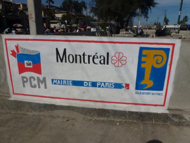 Inauguration de la place de la Solidarité et de la Fraternité à Port-au-Prince, Haïti. (Groupe CNW/Ville de Montréal - Cabinet du maire et du comité exécutif)