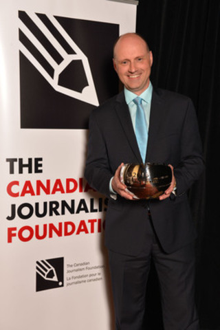 The Winnipeg Free Press was the recipient of the Excellence in Journalism Award in the large-media category at the 16th Annual Canadian Journalism Foundation Awards. Paul Samyn, editor of the Winnipeg Free Press, accepted the award. (CNW Group/Canadian Journalism Foundation)