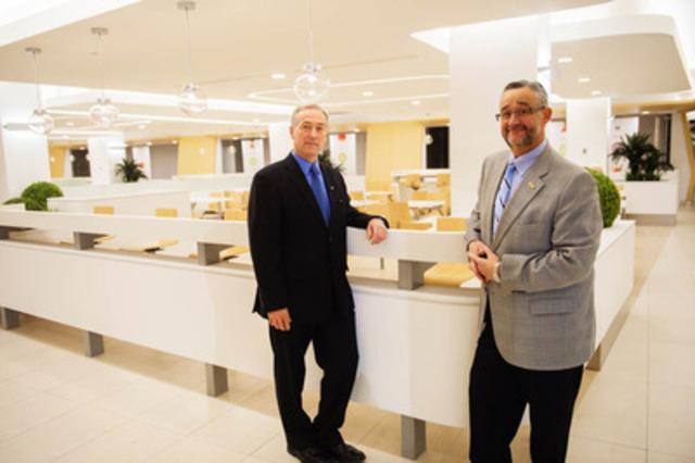 Rémy Normand, président du RTC, et Normand Bélanger, président-directeur-général du Fonds immobilier de solidarité. (Groupe CNW/Fonds immobilier de solidarité FTQ)