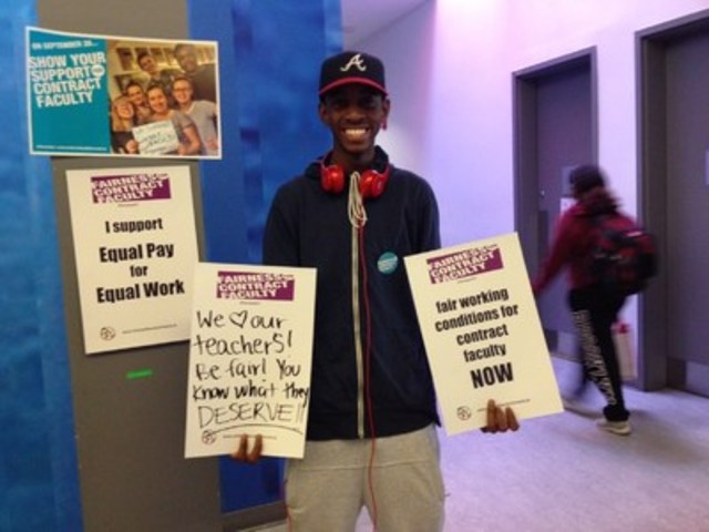 A Humber College student shows his support for contract faculty at an event on September 27. (CNW Group/Ontario Public Service Employees Union (OPSEU))