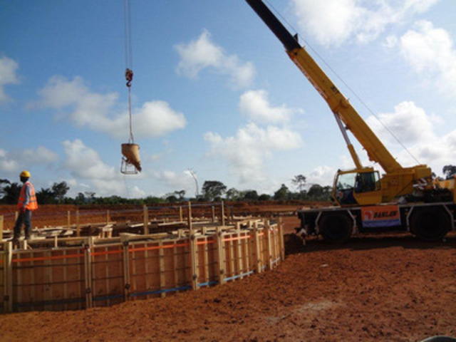 Figure 1: Agbaou Mill Site, concrete pour for CIL ring beam (November 12, 2012) (CNW Group/Endeavour Mining Corporation)
