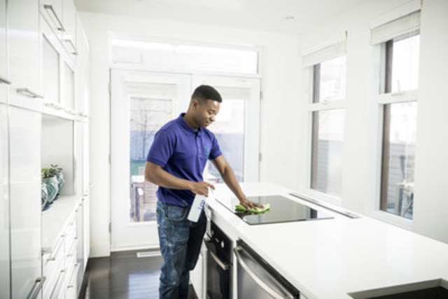 Adèle sur demande, une nouvelle entreprise montréalaise, arrive sur le marché avec une offre novatrice et unique : le ménage sur demande. (Groupe CNW/Adèle sur demande)