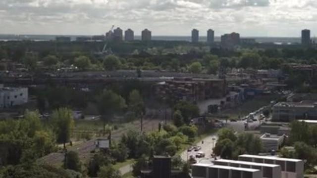 Vidéo : Vidéotron, Ericsson, l'École de technologie supérieure et le Quartier de l'innovation s'associent pour créer le premier laboratoire à ciel ouvert de la vie intelligente au Canada
