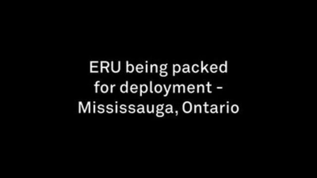 Images d''archives : préparations en vue du déploiement de l''hôpital de campagne de la Croix-Rouge canadienne.
