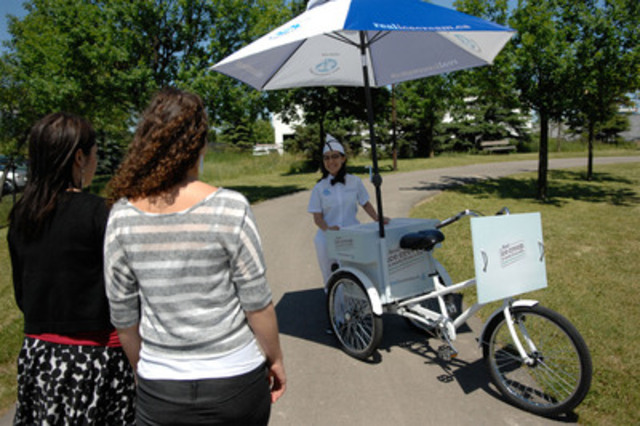 During weekends from June 23 to July 15, ice cream-loving Canadians can meet friendly ice cream ambassadors equipped with retro ice cream tricycle carts and enjoy samples of real ice cream made from 100% Canadian milk. (CNW Group/Dairy Farmers of Canada (DFC))