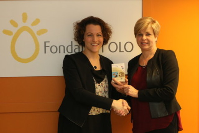 De gauche à droite, Élise Boyer, directrice générale de la Fondation OLO et Carole Boyer, vice-présidente, Affaires corporatives et communications de Duchesnay Inc. (Groupe CNW/Duchesnay inc.)