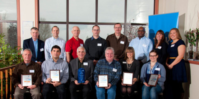 Teck Trail Operations employees were presented with the MAC TSM Leadership Award by Rob Scott, Senior Vice President, Zinc, Teck. Front row, from left: Kim McLean, David DeRosa, Greg Belland, Vince Whiteside, Carol Vanelli Worosz, Patricia Groulx. Back row: Rob Scott, Richard Deane, Bill Jankola, Ian Finke, Brian Reiter, Primo Majoko, Sandra Read and Catherine Adair. (CNW Group/Mining Association of Canada (MAC))