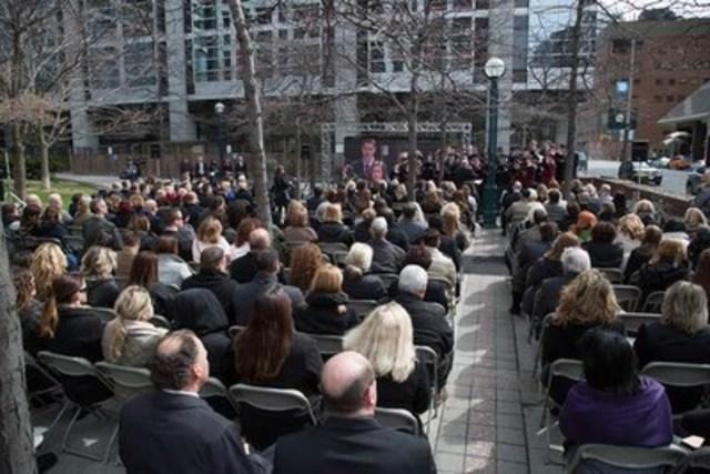 Cérémonie du Jour de deuil de la CSPAAT (Groupe CNW/Commission de la sécurité professionnelle et de l'assurance contre les accidents du travail)