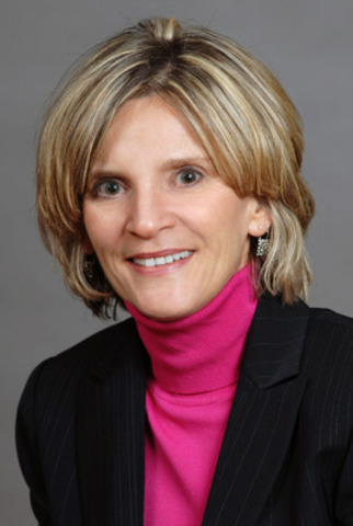Gigi Dawe, Risk Oversight and Governance, and National Practice Area Leader, Governance, Strategy and Risk, CICA, one of 8 EG Awards judges in 2013. (CNW Group/Canadian Society of Corporate Secretaries)