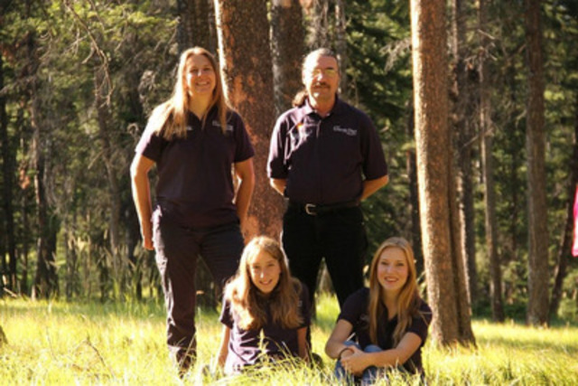 The Kitchen-Kuiacks: Brian Kitchen, Marguerite Kuiack, Simone Kitchen and Marika Kitchen (CNW Group/Shell Canada Limited)