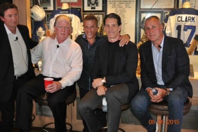Brian Burke, Wayne Gretzky, Mike Wilson and guests during last years Night For Change, in support of The Canadian Safe School Network. (CNW Group/Canadian Safe School Network)