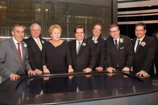 De gauche a droite : le ministre des Finances et de l'Économie, M. Nicolas Marceau, le président des opérations de la Société des casinos du Québec, M. Claude Poisson, la première ministre, Mme Pauline Marois, le maire de Montréal, M. Denis Coderre, le président et chef de la direction de Loto-Québec, M. Gérard Bibeau, le ministre délégué au Tourisme, M. Pascal Bérubé, et le directeur général du Casino de Montréal, M. Francois Hanchay. (Groupe CNW/CASINO DE MONTREAL)
