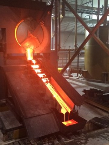 Inaugural gold pour at Soledad Mountain (CNW Group/Golden Queen Mining Co. Ltd.)