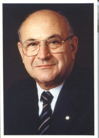 Jean de Grandpré, Founding Director and Chairman Emeritus of BCE Inc. (1988). (CNW Group/Bell Canada)