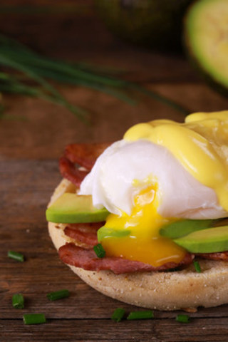Le Benedict Bacon Avocat (Groupe CNW/Ben & Florentine Restaurants Inc.)