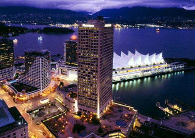 Dip your toes into the Pacific Ocean and take in the stunning views of Vancouver, British Columbia (CNW Group/Hotels.com)