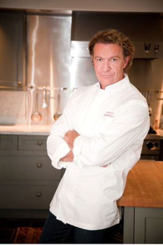 Celebrity Chef Mark McEwan (CNW Group/Chef Network Inc.)