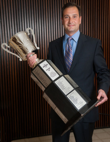 Premier Ghiz welcomed the Challenge Cup to PEI this week. (CNW Group/Irving Oil Operations Ltd.)