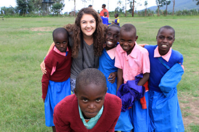 Alexa Scarcello, a 2014 RBC scholarship award recipient, spending her last day in Kenya with some students from the Free the Children school Emori Joi Primary School (CNW Group/RBC)