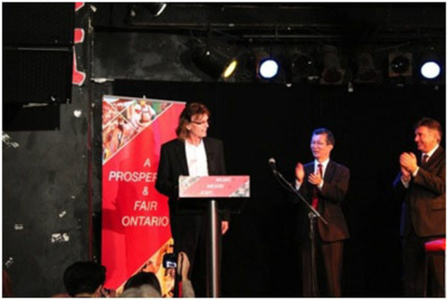 Announcement of Ontario Music Fund at Lee's Palace. (CNW Group/Ontario Liberal Party)