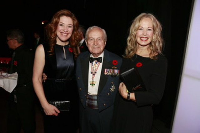 Bell Let's Talk Spokesperson Clara Hughes, Honourary LGen Richard Rohmer and Bell Let's Talk Chair Mary Deacon at the annual True Patriot Love Tribute Dinner. (CNW Group/Bell Canada)