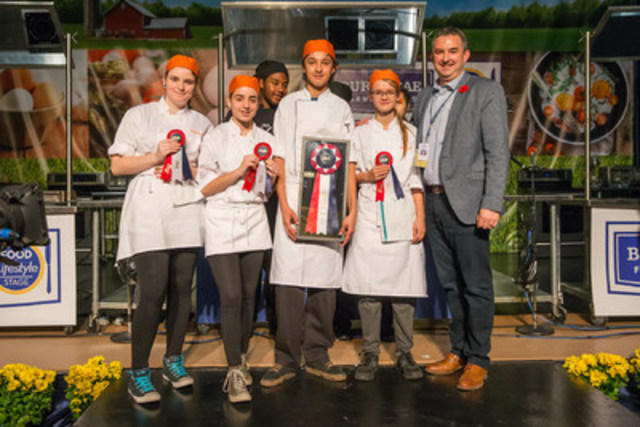 Bendale Business and Technical Institute students who took home the top prize at the Royal Agricultural Winter Fair High School Chef Competition. (CNW Group/Royal Agricultural Winter Fair)