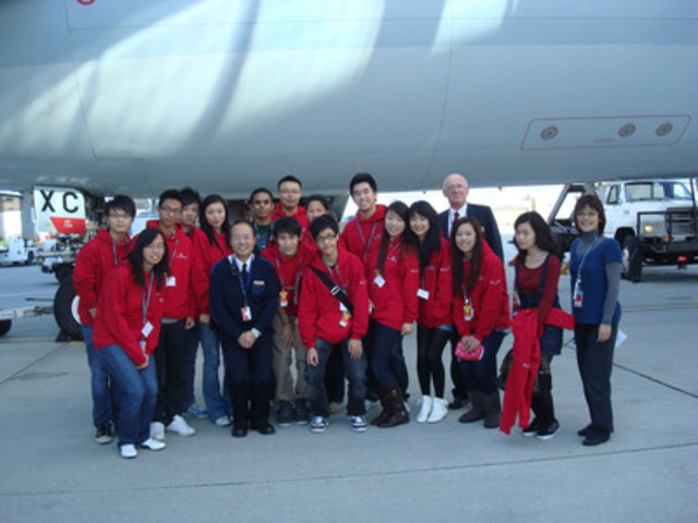 """I Can Fly"" students at YVR accompanied by representatives from Cathay Pacific Airport Operations and Engineering teams (CNW Group/Cathay Pacific Airways)"