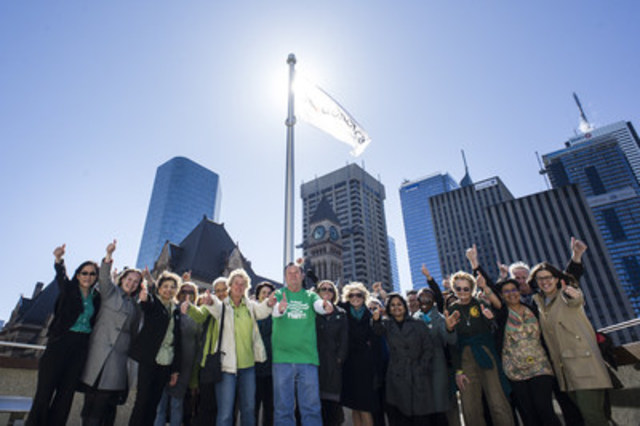 President and CEO of Trillium Gift of Life Network (TGLN), Ronnie Gavsie, along with local organ and tissue donation advocates and TGLN staff come together to see the BeADonor flag raised at Toronto City Hall. This week (April 17 to 23) is National Organ and Tissue Awareness Week, to register your consent or learn more, visit www.BeADonor.ca (CNW Group/Trillium Gift of Life Network)
