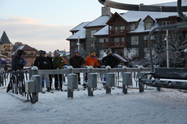 Eager winter enthusiasts wait for the first chairlift of the year at Blue Mountain Resort near Collingwood, Ontario today, December 12, 2012. (CNW Group/Blue Mountain Resorts Limited)