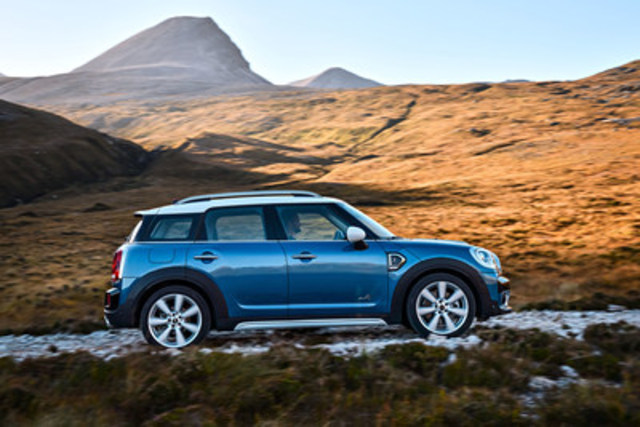 The all-new 2017 MINI Cooper S Countryman ALL4. The model's premier takes place at the Los Angeles Auto Show on November 16, 2016. (CNW Group/MINI Canada)