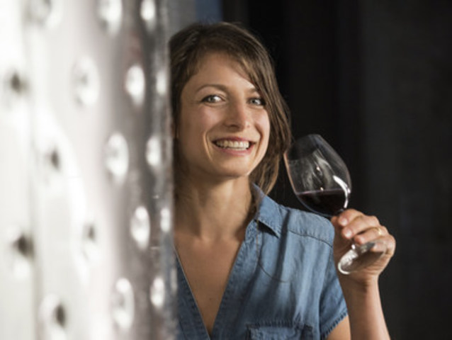 Alexis Moore named new winemaker at CedarCreek Estate Winery in the Okanagan Valley, BC (CNW Group/VMF Estates)