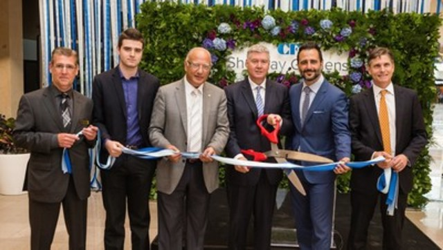 Today, CF Sherway Gardens unveiled their new North Expansion. Executive Vice President, Development for CF Wayne Barwise was joined by Finley McEwen (SVP Development, CF); Andy Traynor (GM, CF Sherway Gardens), Coun. Vincent Crisanti (Deputy Mayor, West Toronto), Coun. Justin Di Ciano (Ward 5, Toronto) and a representative for Peter Milczyn (MPP, Etobicoke-Lakeshore). (CNW Group/Cadillac Fairview Corporation Limited)