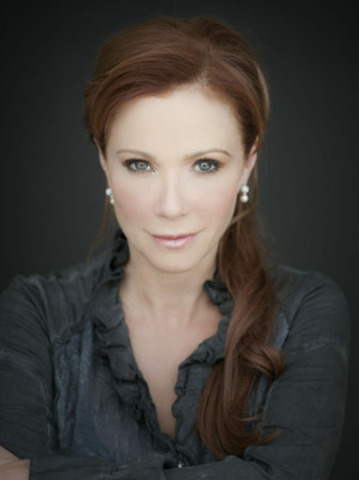 Lauren Holly's Headshot (CNW Group/Le Château)