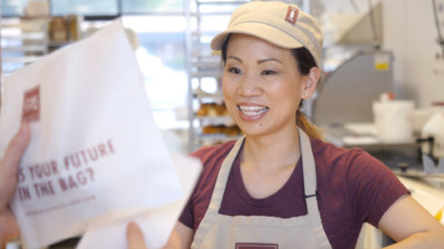 One of COBS Bread's newest francisees Masumi Smith at her Westridge bakery in Maple Ridge, BC (CNW Group/COBS Bread)