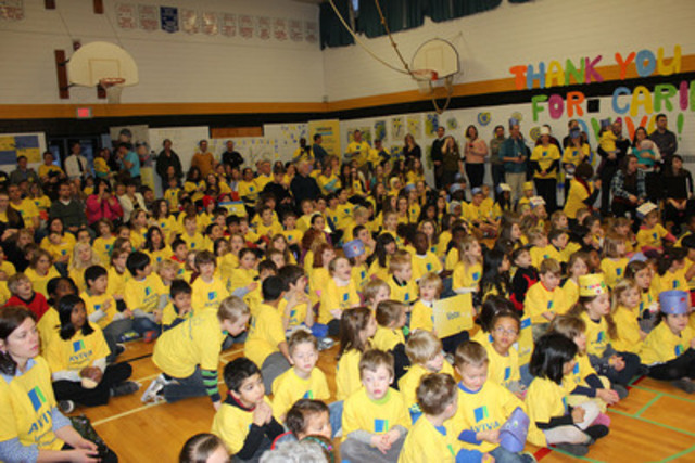Students at Vincent Massey Public School in Ottawa awaiting the announcement of the 2013 Aviva Community Fund winners. (CNW Group/Aviva Canada Inc.)