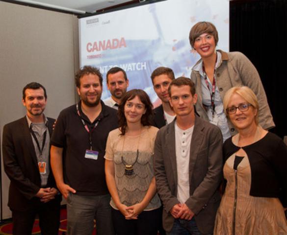 (De gauche à droite) Shane Smith, animateur; les réalisateurs Mark Slutsky (Sorry, Rabbi); Craig Goodwill (Patch Town); Sophie Goyette (La Ronde); Dusty Mancinelli (Pathways); Andrew Cividino (We Ate the Children Last) Chelsea McMullan (Derailments); et Carolle Brabant, Téléfilm Canada (Groupe CNW/TELEFILM CANADA)