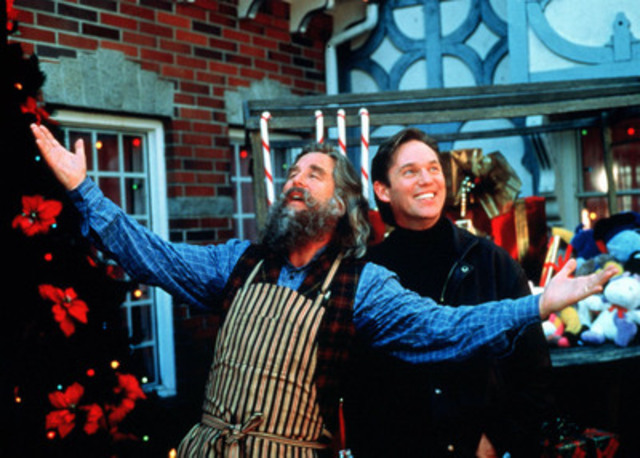 Beau Bridges (left) as Santa Claus and Richard Thomas as scientist Jerry McNeal. (CNW Group/TVO)