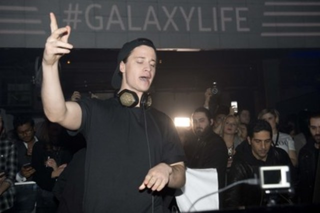 International DJ , KYGO, joined Samsung Canada on stage at Toronto's Uniun Nightclub to celebrate the launch of the Galaxy S7 and Galaxy S7 edge (CNW Group/Samsung Electronics Canada)
